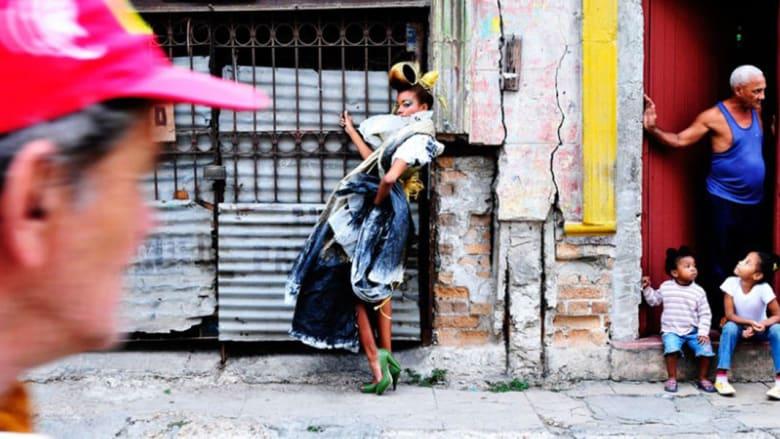 تعرف إلى أغرب صرعات الموضة من الشوارع الشعبية حول العالم