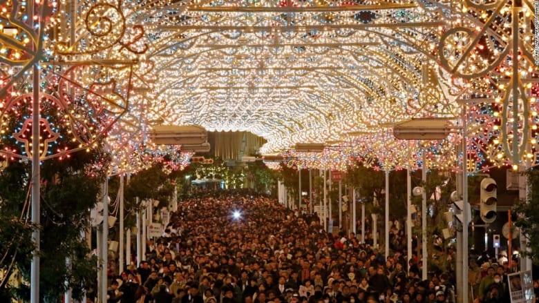 من السويد إلى اليابان... مهرجانت ضوئية تتلألأ لتنير ليالي الشتاء الطويلة