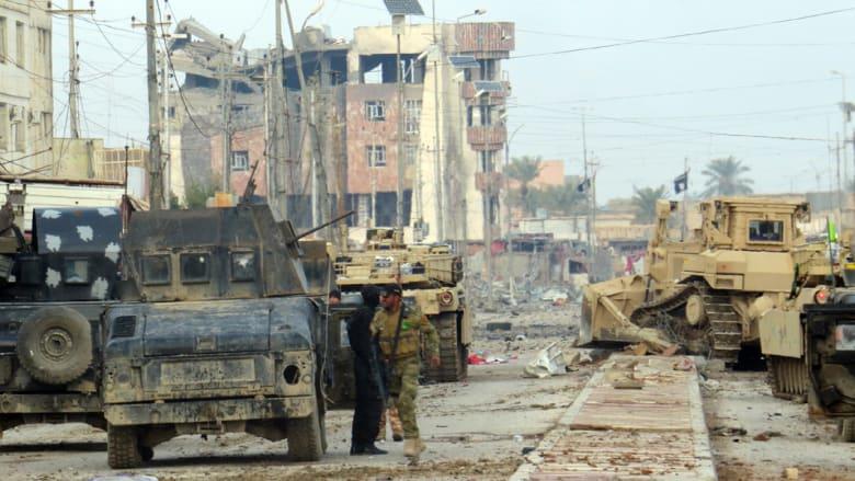 """رئيس مجلس الأنبار لـCNN: مقتل 3 جنود عراقيين بهجوم شنه """"داعش"""" على قاعدة قرب الرمادي"""