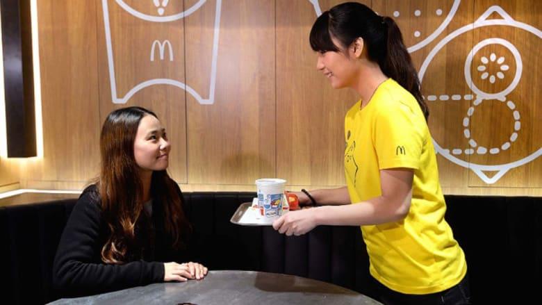 """""""ماكدونالدز نكست"""" نسخة جديدة من """"ماكدونالدز"""" تتحدى الأطعمة غير الصحية..بحبوب الكينوا"""