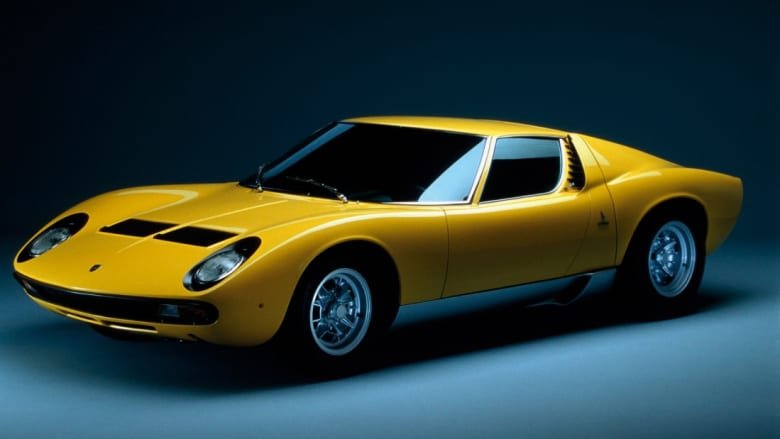 هل تعلم ما هو نوع أول سيارة رياضية في العالم؟