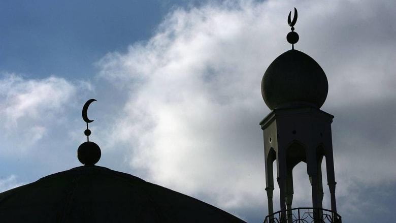 """فرنسا تحظر ثلاث جمعيات إسلامية بتهمة """"التحريض على الجهاد في سوريا والعراق"""""""