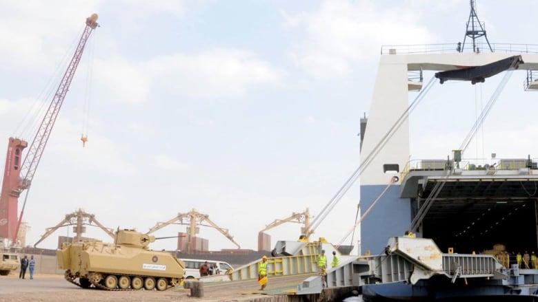 """بالصور: قوات مصرية بطريقها للسعودية ضمن مناورات """"رعد الشمال"""" وغموض حول عدد الدول المشاركة"""