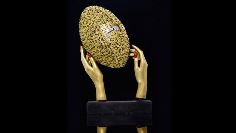 ألماس وكريستال وأحجار زاهية... كرة القدم الأمريكية تطل بحلة جديدة