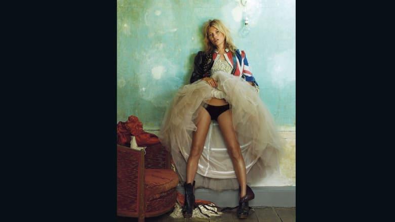 """إثارة وجدل وفن.. مجلة """"فوغ"""" للأزياء تعرض أندر صورها في عامها المائة"""