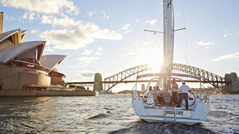 """بالصور.. هكذا تقضي أجمل تجربة سياحية على """"أروع"""" ميناء طبيعي في العالم"""