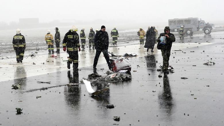 """بالصور.. آثار تحطم طائرة """"فلاي دبي"""" جنوب روسيا"""