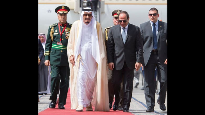 بالصور.. عاهل السعودية بأول زيارة لمصر