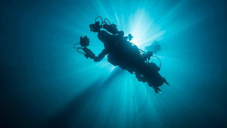 """""""الروبوت- الحورية"""" يكتشف أعمق المحيطات"""