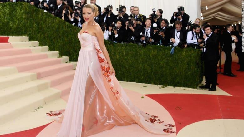 شاهد آخر صيحات أزياء المستقبل في حفل Met Gala الفاخر في نيويورك