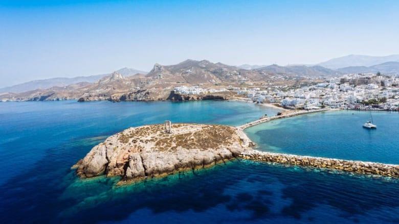 هذه الجزيرة تقدم أجمل لحظات المتعة والهدوء وألذ الأطعمة.. تعرّف إليها