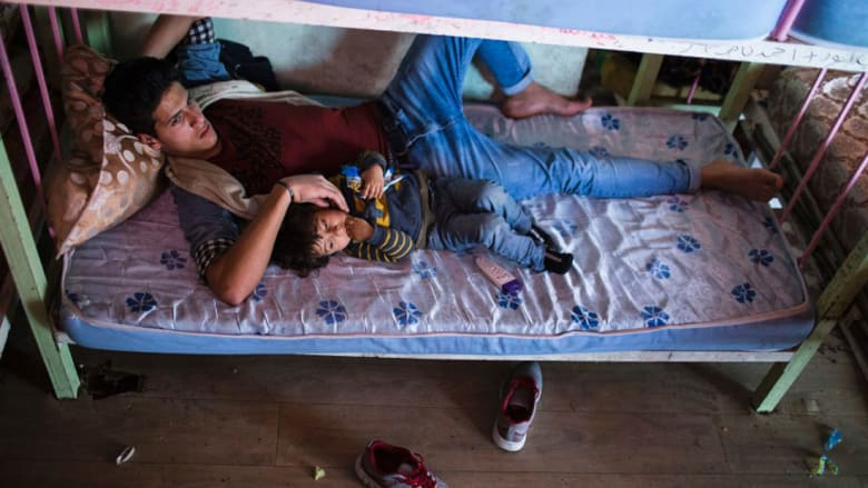 صور تحمل الأمل بعد الموت..للأطفال الأيتام في العراق
