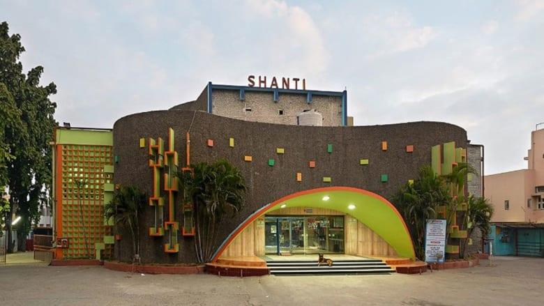 صور تعيد اكتشاف صالات السينما التاريخية في الهند
