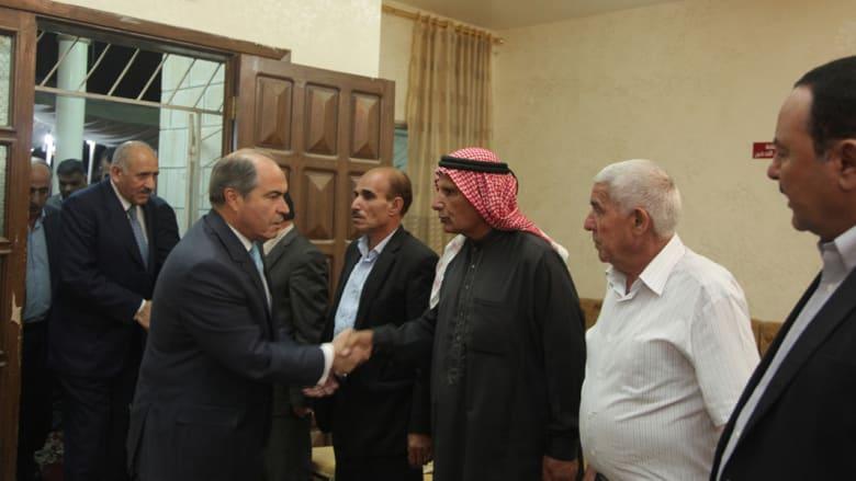 بالصور.. تعزية رئيس الوزراء الأردني لذوي ضحايا هجوم مكتب المخابرات العامة بالبقعة