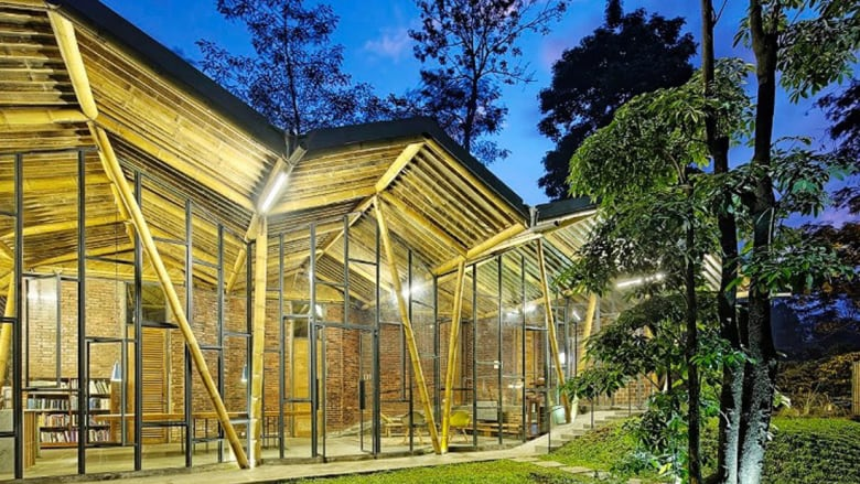 المنزل المائل..يعيد تعريف العمارة في جاكرتا