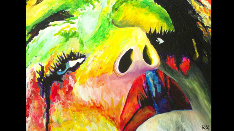 فنان يثبت أن رؤية الألوان ليست ضرورة للإبداع بالرسم بها