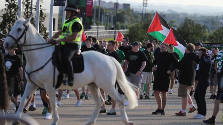 بالصور: أعلام فلسطينية تغزو مدرجات سلتيك خلال لقاء مع فريق إسرائيلي