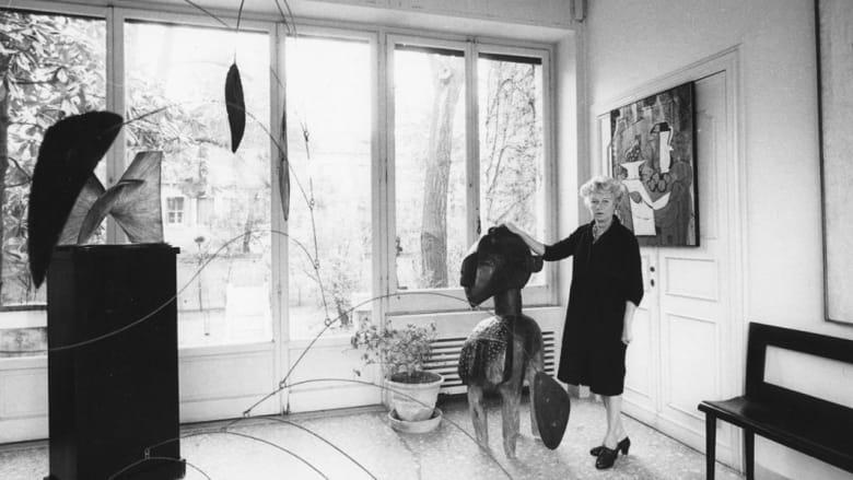 """دوشامب وبرانكوزي ودالي أعز أصدقائها.. هل تعلم من هي """"مدمنة الفن""""؟"""
