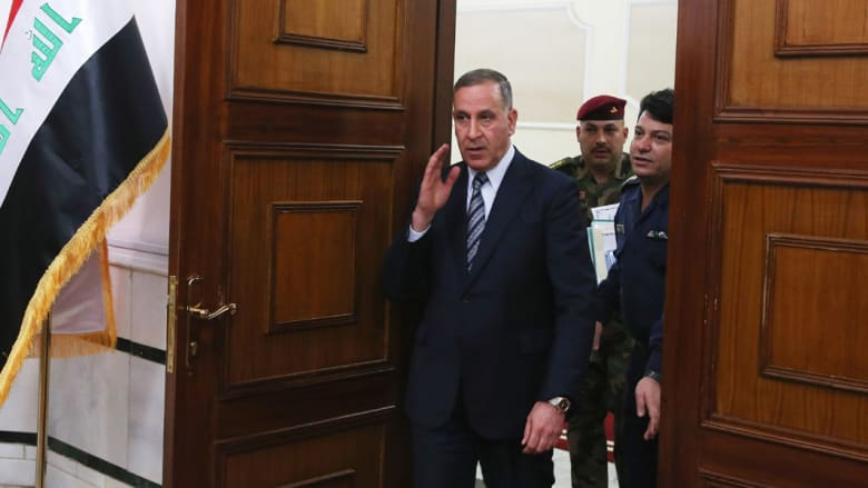 وزير الدفاع العراقي بعد التصويت بإقالته: حاولت محاربة الفساد ولكن رعاته أقوى وأصواتهم أعلى