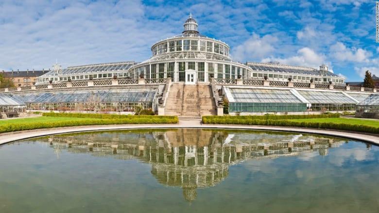 شاهدوا أجمل الحدائق الزجاجية حول العالم