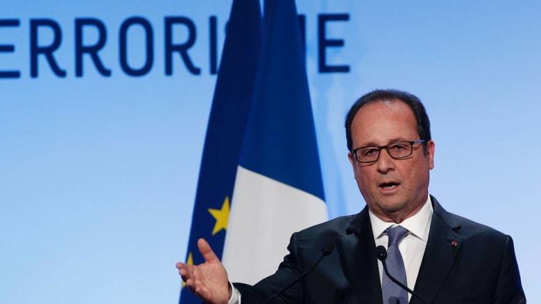 هولاند: العلمانية الفرنسية لا تستهدف الإسلام.. ولن نشرّع قانونًا يمنع البوركيني