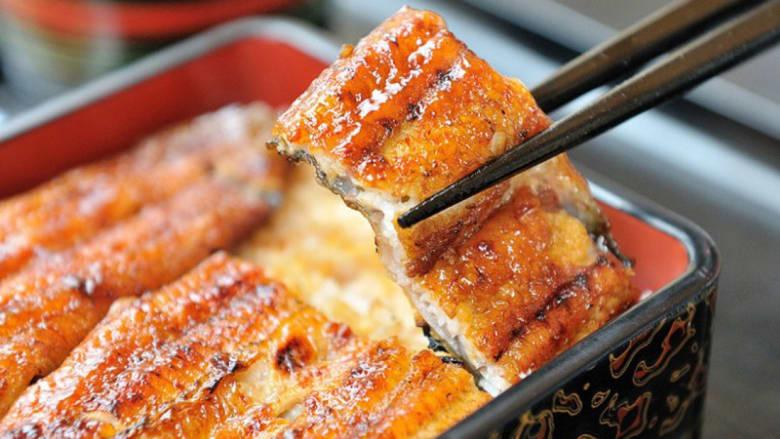 من السوشي إلى التمبورا والرامن.. ألذ الأطباق من اليابان إلى العالم