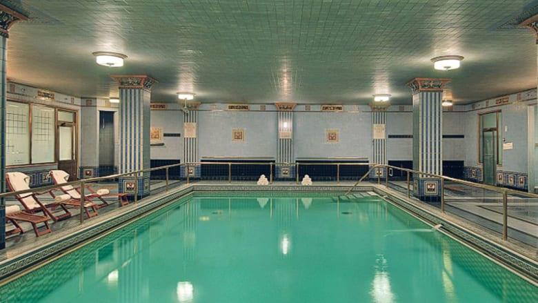 تعشق برك السباحة؟ عليك زيارة هذه المدينة