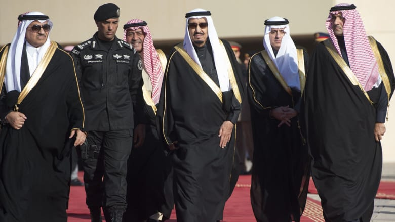 خلفان: ينبغي تجريم معاداة السعودية مثل السامية.. وزواج ابنة كيري بإيراني أثر