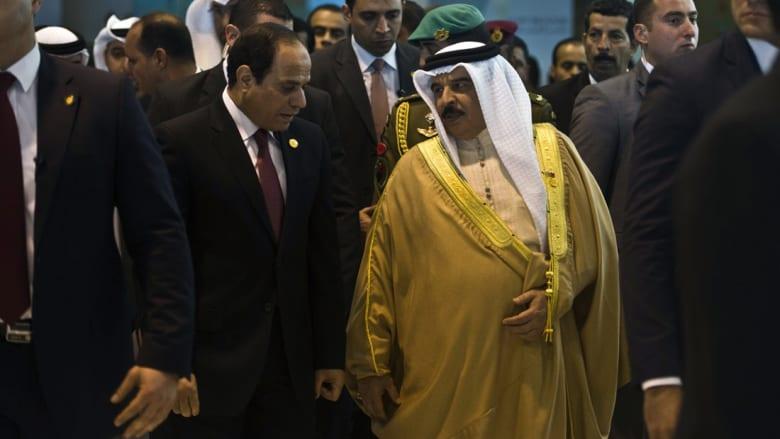 الرئيس عبدالفتاح السيسي يقرر معاملة ملك البحرين مثل المصريين بشأن تملك أراض بشرم الشيخ