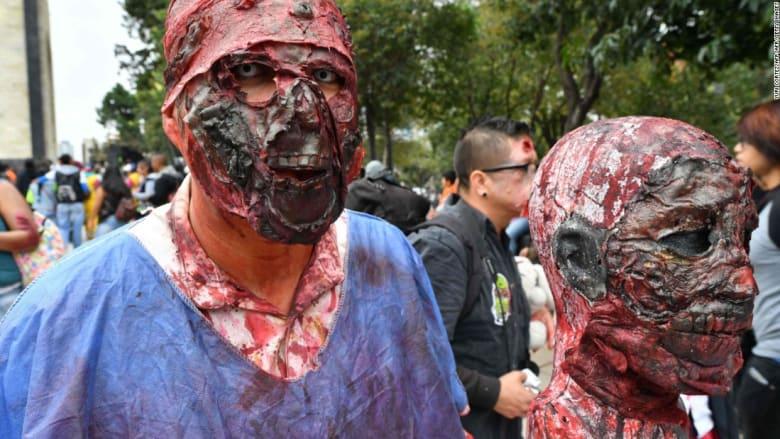 """مخلوقات """"الزومبي"""" تجول شوارع مدينة مكسيكو"""