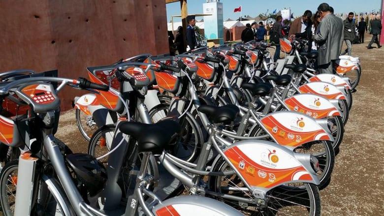 قمة المناخ بالمغرب.. دراجات صديقة للبيئة تمكّن من اكتشاف مراكش