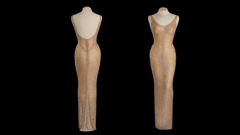"""فستان """"أيقونة الإغراء"""" مارلين مونرو للبيع بـ3 ملايين دولار"""