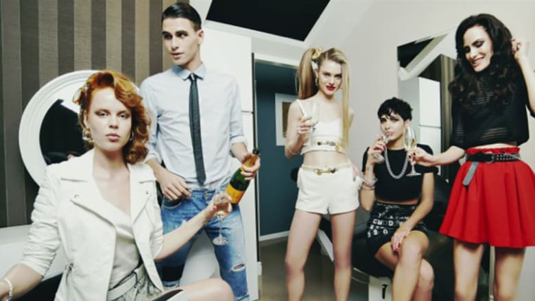 """هكذا تعيش حياة عارضات الأزياء """"الفاخرة"""" في ميلانو"""