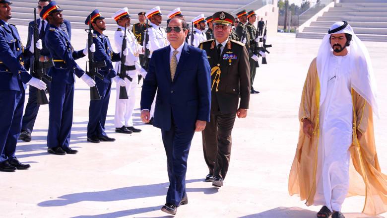 شاهد زيارة السيسي للإمارات في عيدها الوطني الـ45.. يؤدي صلاة الجمعة ويزور ضريح الشيخ زايد