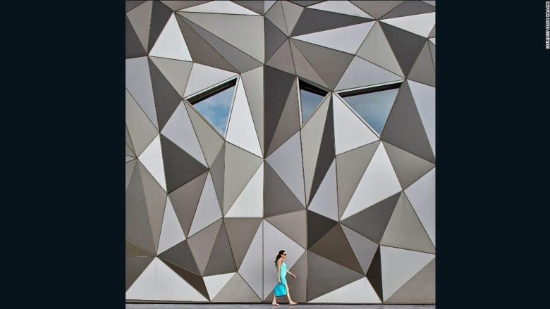 بالصور.. عندما تتحول الأبنية إلى لوحات فنية خلابة