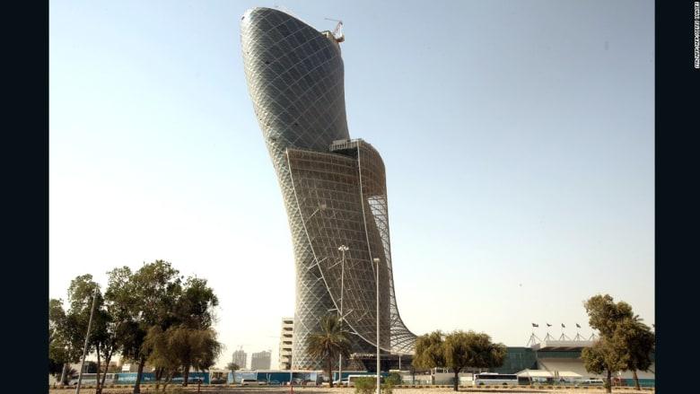 من بيزا لأبوظبي..هذه أسرار الأبنية المائلة عالمياً