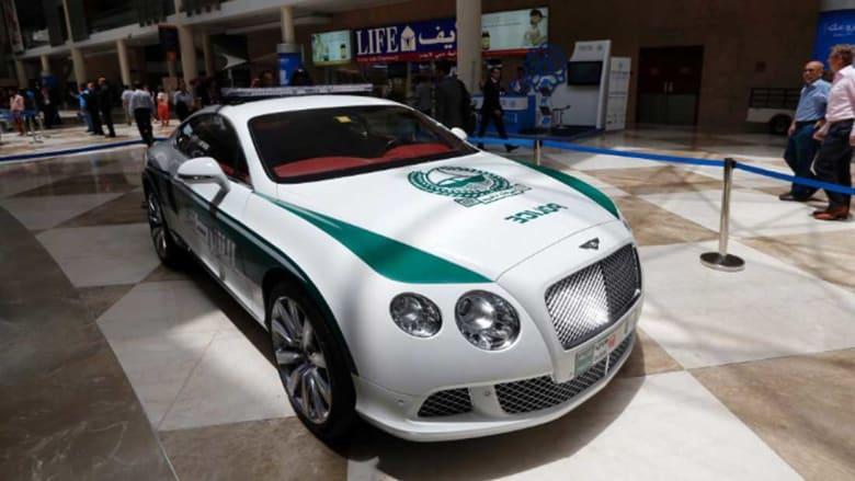 فقط في دبي.. أسرع سيارة شرطة في العالم تصل سرعتها إلى 407 كيلومترات بالساعة
