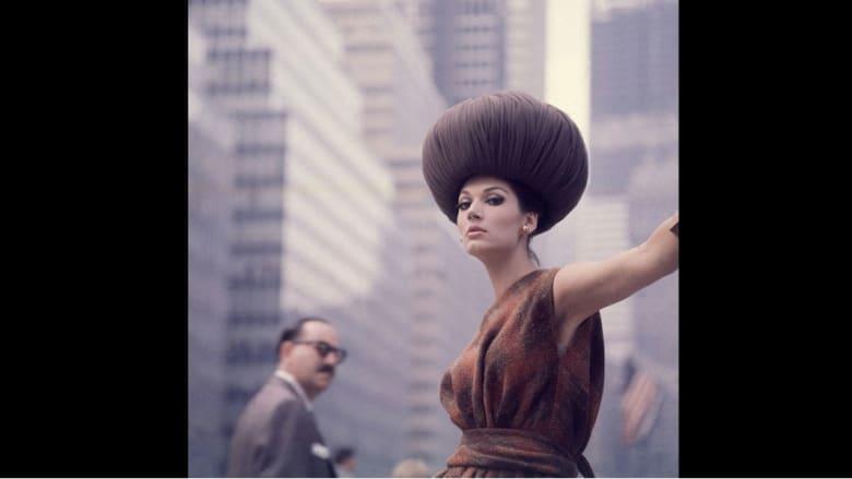 """مائة عام من الصور """"المخفية"""" تخرج من """"مشرحة"""" الأزياء"""