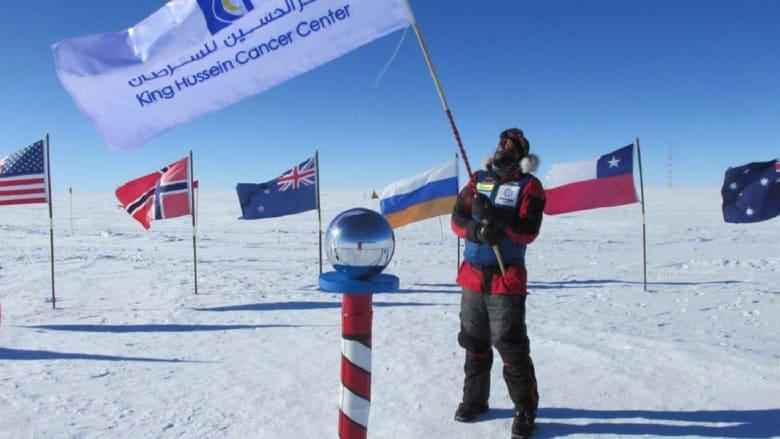 تعرّف إلى أول عربي يتسلق قمم العالم السبع