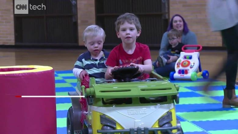 سيارات صغيرة لمساعدة الأطفال ذوي الاحتياجات الخاصة على التنقل