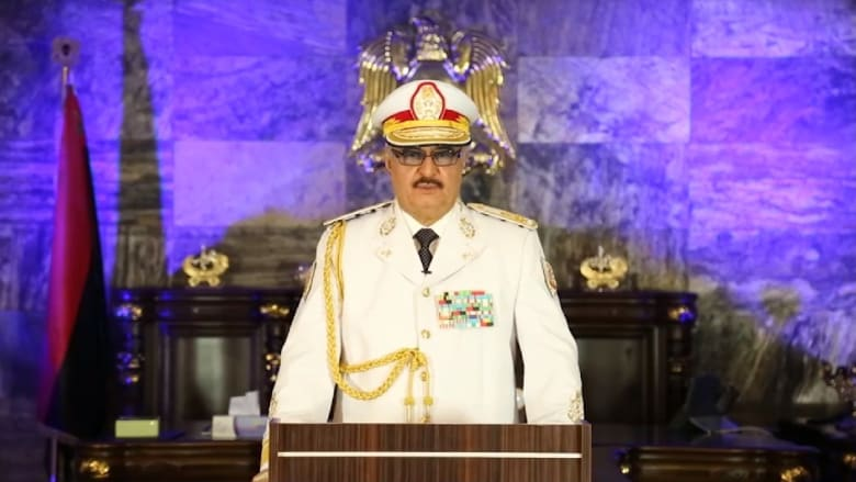 """حفتر يعلن تحرير بنغازي من """"الإرهابيين"""".. ويبارك للسكان الانتصار"""