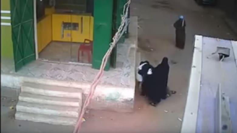 الأمن المصري يعتقل رجلا قتل ابنه بالرصاص أمام أعين والدته