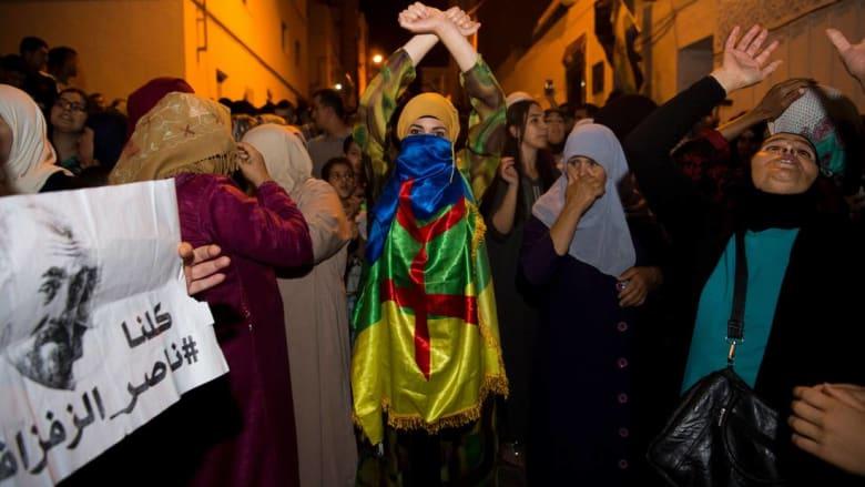 سلطات الحسيمة تعلن إصابة 72 عنصرا أمنيا و11 متظاهرا في احتجاجات الخميس