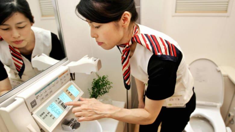"""من قطار """"الطلقة"""" إلى المراحيض والمقابر الذكية.. كيف تعيش اليابان؟"""