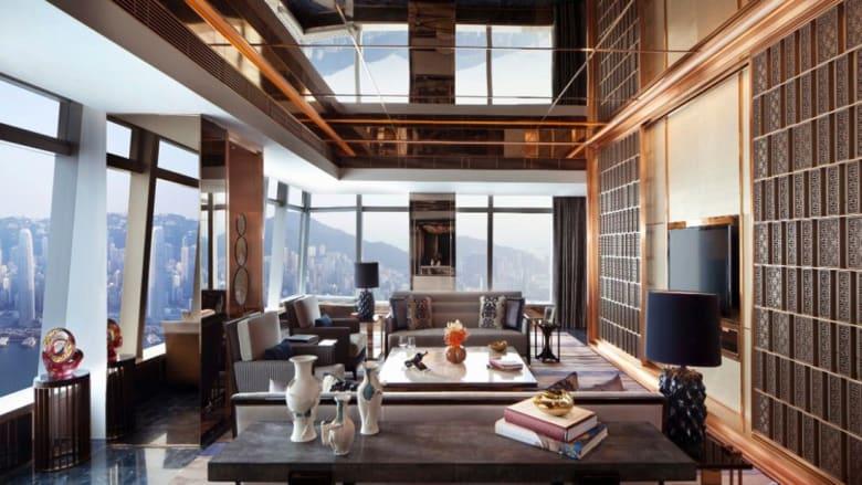"""أجنحة الفنادق الفاخرة هذه هي """"الأكثر جنوناً"""" في هونغ كونغ!"""