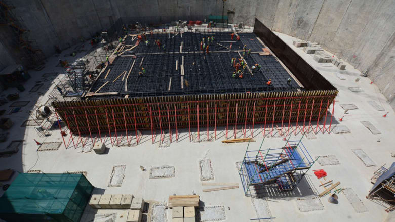 برج خور دبي: أين وصل أطول برج بالعالم في رحلة بنائه؟