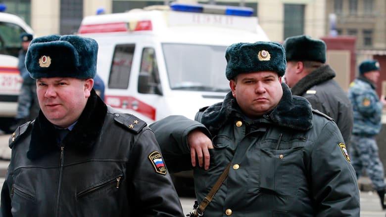 الشرطة الروسية تقتل شخصا جرح 8 بسكين بمدينة سورغوت