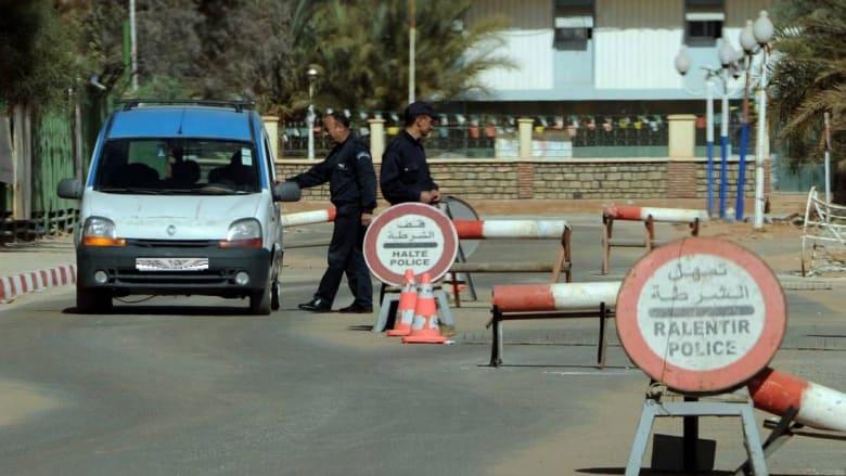 مقتل شرطيين جزائريين بعد منعهما مسلحٍ من تفجير نفسه داخل مقر أمني