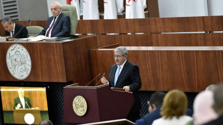 """رغم المعارضة """"المتشنجة"""".. البرلمان الجزائري يصادق على برنامج عمل الحكومة"""