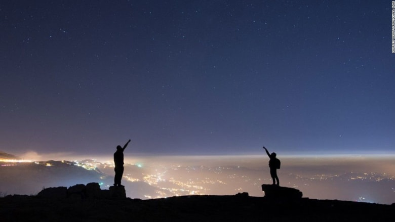 """""""حياة الليل"""" تأخذك إلى النجوم وما أبعد..في لبنان"""